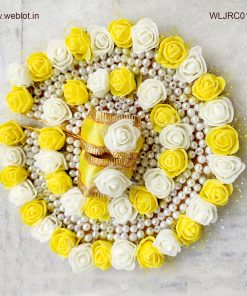 WEBLOT-Beautiful-white-yellow-rose-dress-for-laddoo-gopal-pic2.jpg